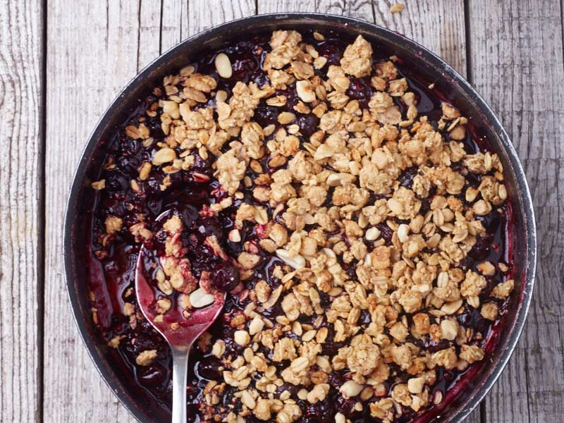 very berry crumble, backpacking dessert recipes, camping desserts
